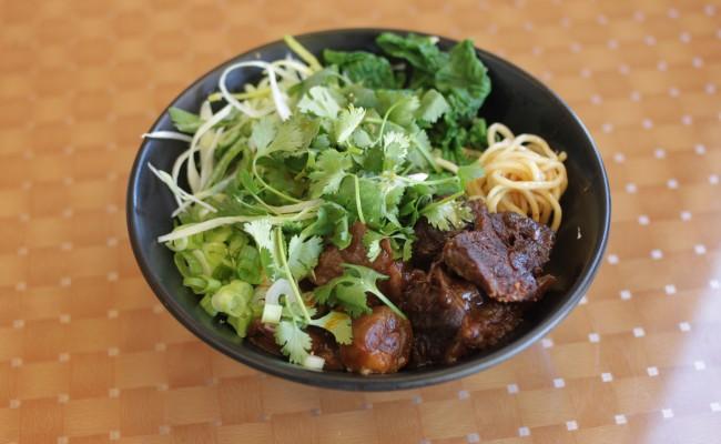 紅焼半筋半肉乾麺