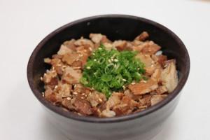 チャーシューご飯1