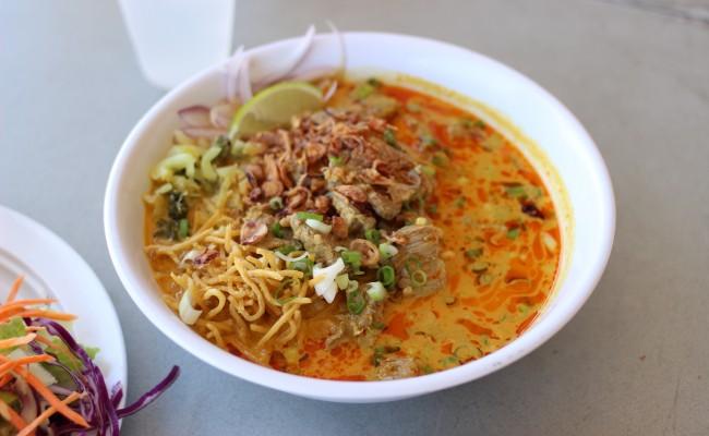 タイ式カレーラーメン